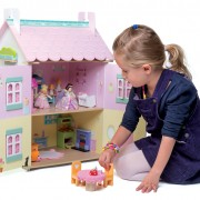 H126 Sweetheart Cottage with Child