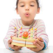 TV273 Vanilla Birthday Cake – Life Style blow candles (s)