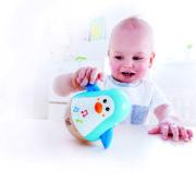E0331 Penguin Musical Wobbler with child-1