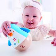 E0331 Penguin Musical Wobbler with child-3