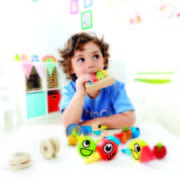 E1026 Whistle birds with child 1