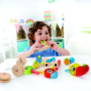 E1026 Whistle birds with child 2