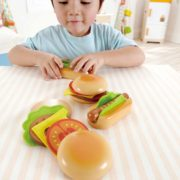 E3112 hamberger and hotdog_child_3