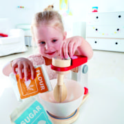 E3147 Whip-it-up Mixer with child-1