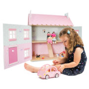 ME041-Sophie-Pink-Wooden-Toy-Car-with-Luggage-Girl-House